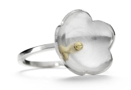 large single daisy ring