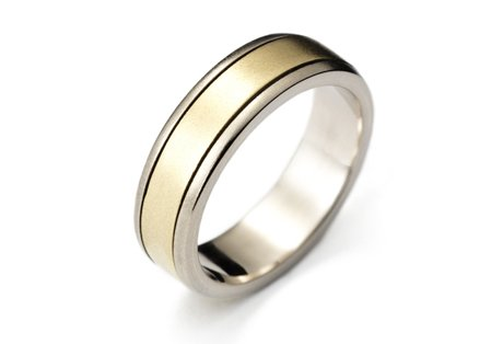 gold spin ring